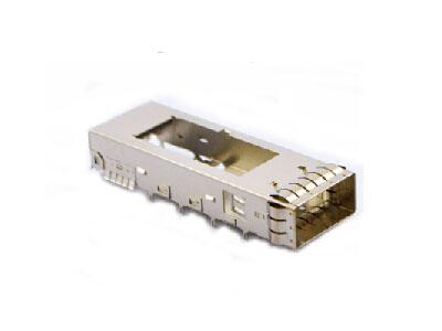 QSFP+ single connector housing